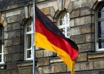 Almanya`da 2 Türk`e saldırı