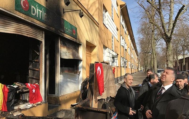 Almanya'da Müslümanlar dayanışma bekliyor