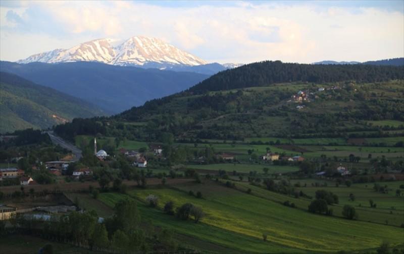 Anadolu'nun yüce dağı gezginleri bekliyor