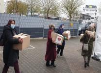 DİTİB camisinden yaşlı ve ihtiyaç sahiplerine gıda yardımı