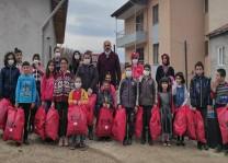 Avrupa Tokatlılar Derneği ihtiyaç sahibi 450 çocuğu giydirdi
