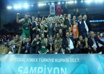 Banvit tarihinde ilk kez Türkiye Kupasını kazandı