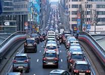 Brüksel`de toplu taşıma grevi trafiği kilitledi