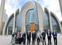 Cami rehberleri eğitmenleri törenle sertifikalarını aldı