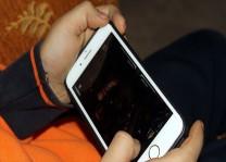Çocuklar için sadece gündüz çalışan akıllı telefon üretildi