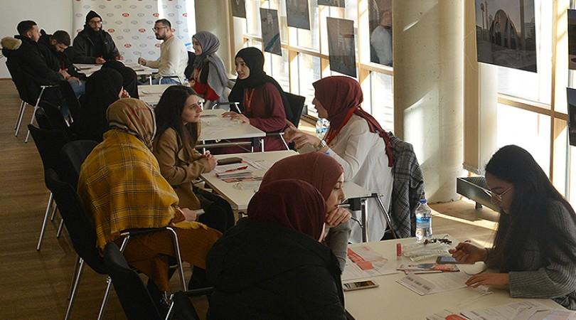 Gençler kan kanseri hastalar için 6 şehirde kampanya düzenledi
