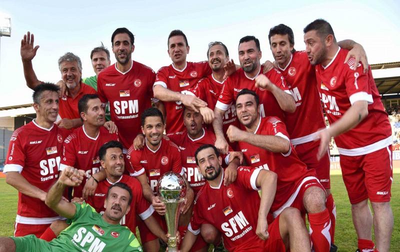 SunExpress Efsaneler Maçı'nın galibi: Türkiye