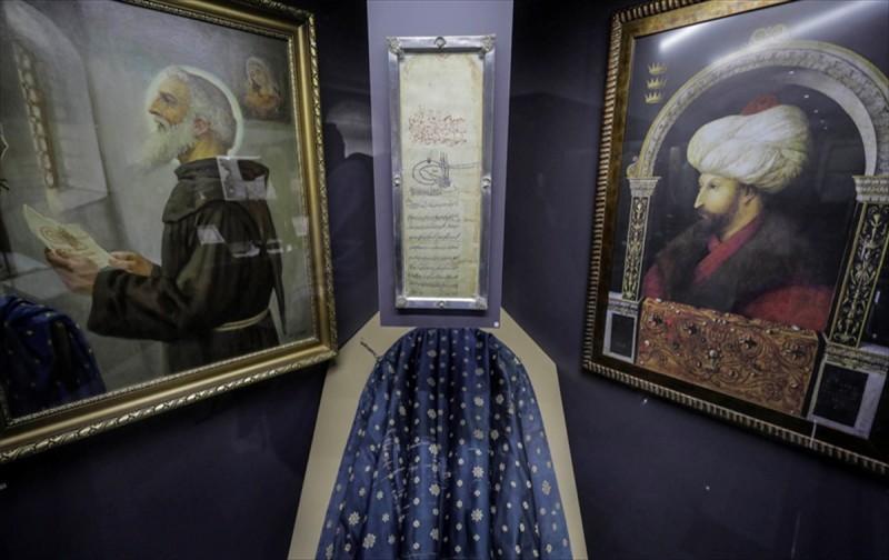 Fatih'in Ahidnamesi 555 yıldır manastırda korunuyor