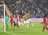 Fenerbahçe sahasında farklı galip