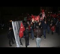 Hollanda'nın Türkiye temsilcilikleri önünde protesto
