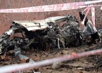 İngiltere`de uçak ile helikopter havada çarpıştı