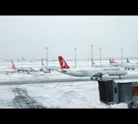 İstanbul'da kar yağışı hava ulaşımını aksatıyor