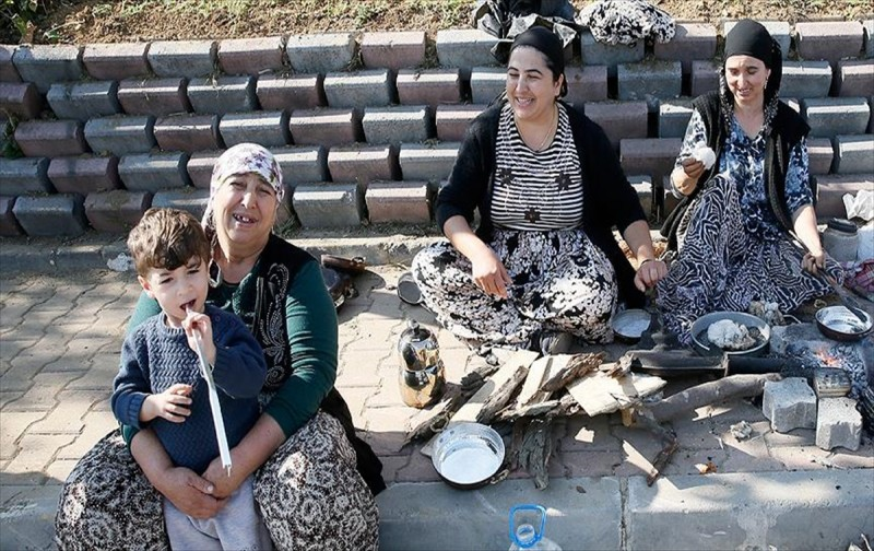 İstanbul`un seyyar kadın kalaycıları