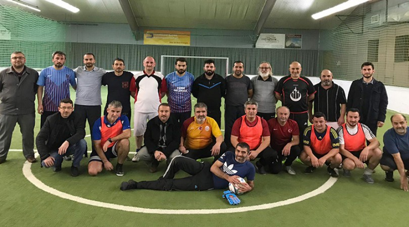 Kassel bölgesinde cemiyetler arası futbol turnuvası başladı