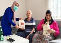 YTB ve Avrupa Trabzon Köprübaşılılar Derneği işbirliğiyle hijyen paketi dağıtıldı