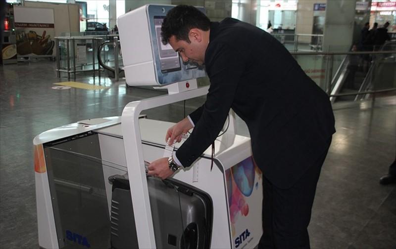 THY, akıllı bagaj robotu Leo'yu tanıttı